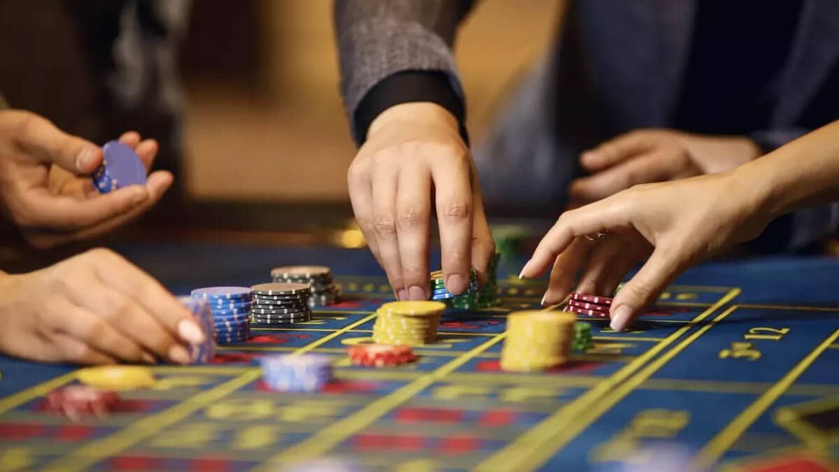 How to Cheat at Roulette - 5 Roulette Tricks & Reasons Not to Use Them
